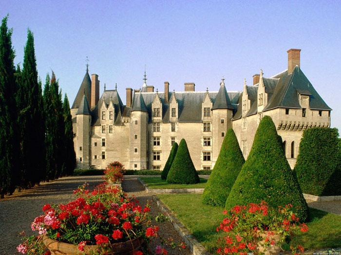 Chateau of Langeais, part of guided Loire Valley Day tour D3
