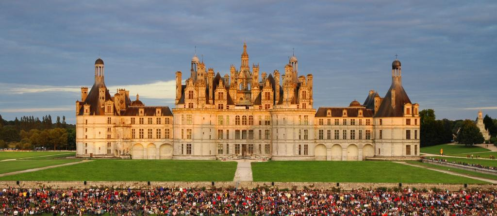Exceptionnel Private Luxury escorted tour Must-see of the Loire Valley  QZ65