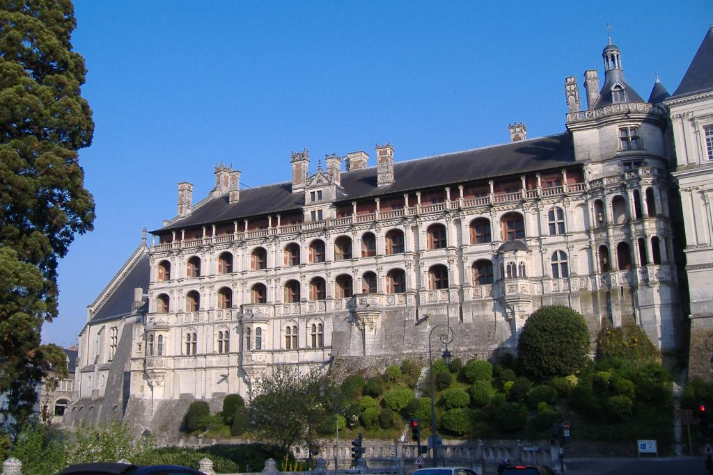 Blois castle - Part of Loire Valley cycling tour B1