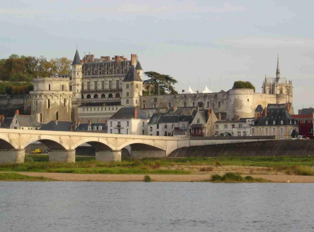 Chateau of Amboise - Part of Loire Valley cycling tour B2