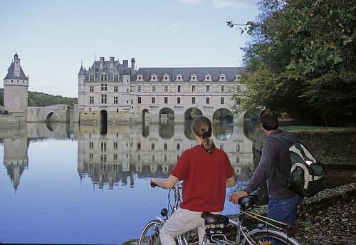 Chateau of Chenonceau - Part of Loire Valley cycling tour B2