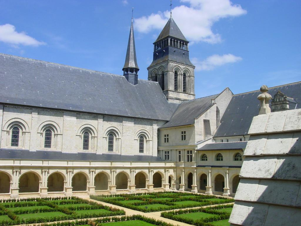 Royal Abbey of Fontevraud - Part of Loire Valley cycling tour B8