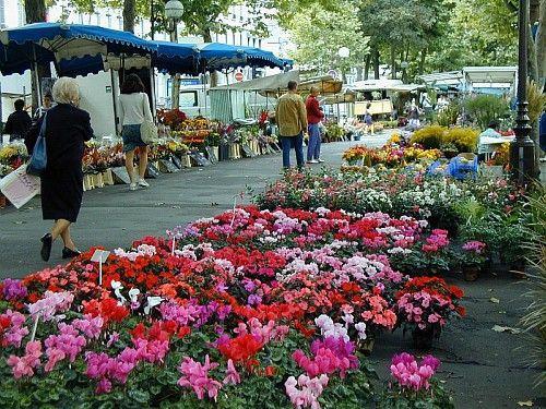Tours market place