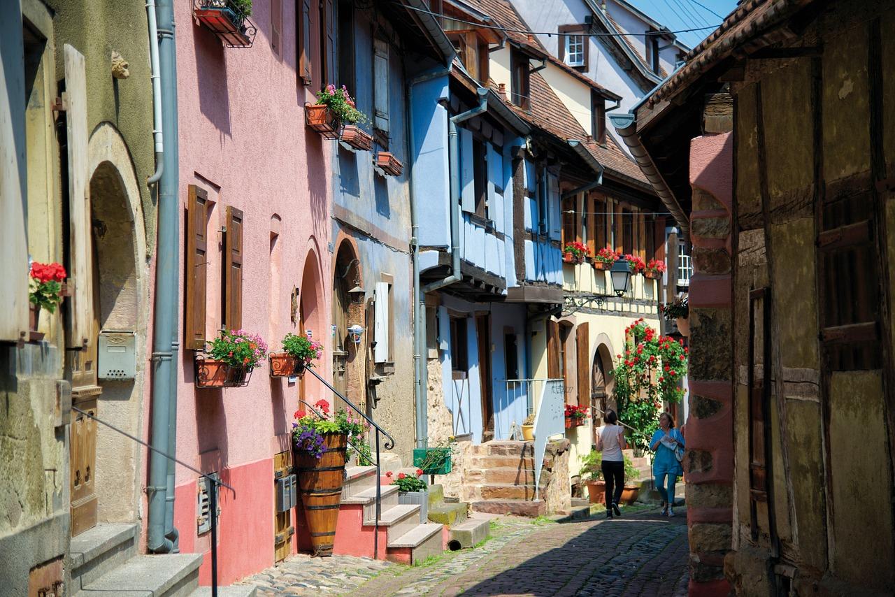 village-1412410_1280.jpg