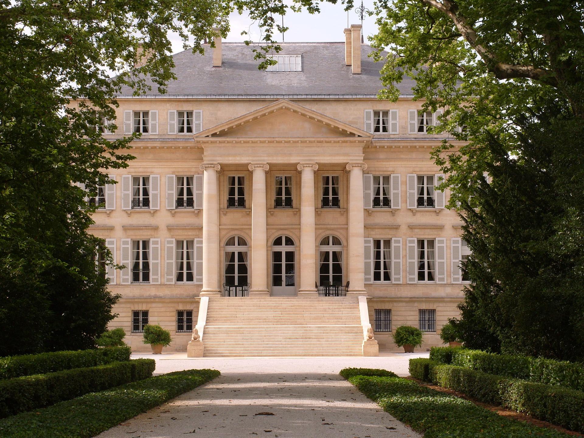 chateau-margaux-459568_1920.jpg