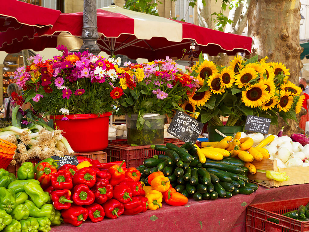 flower, Provence private tour around Alpilles - Typical Market in Provence